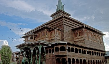 Lived Islam in Kashmir:   Engagements of Kashmiri Muslims with Local Culture - Part I
